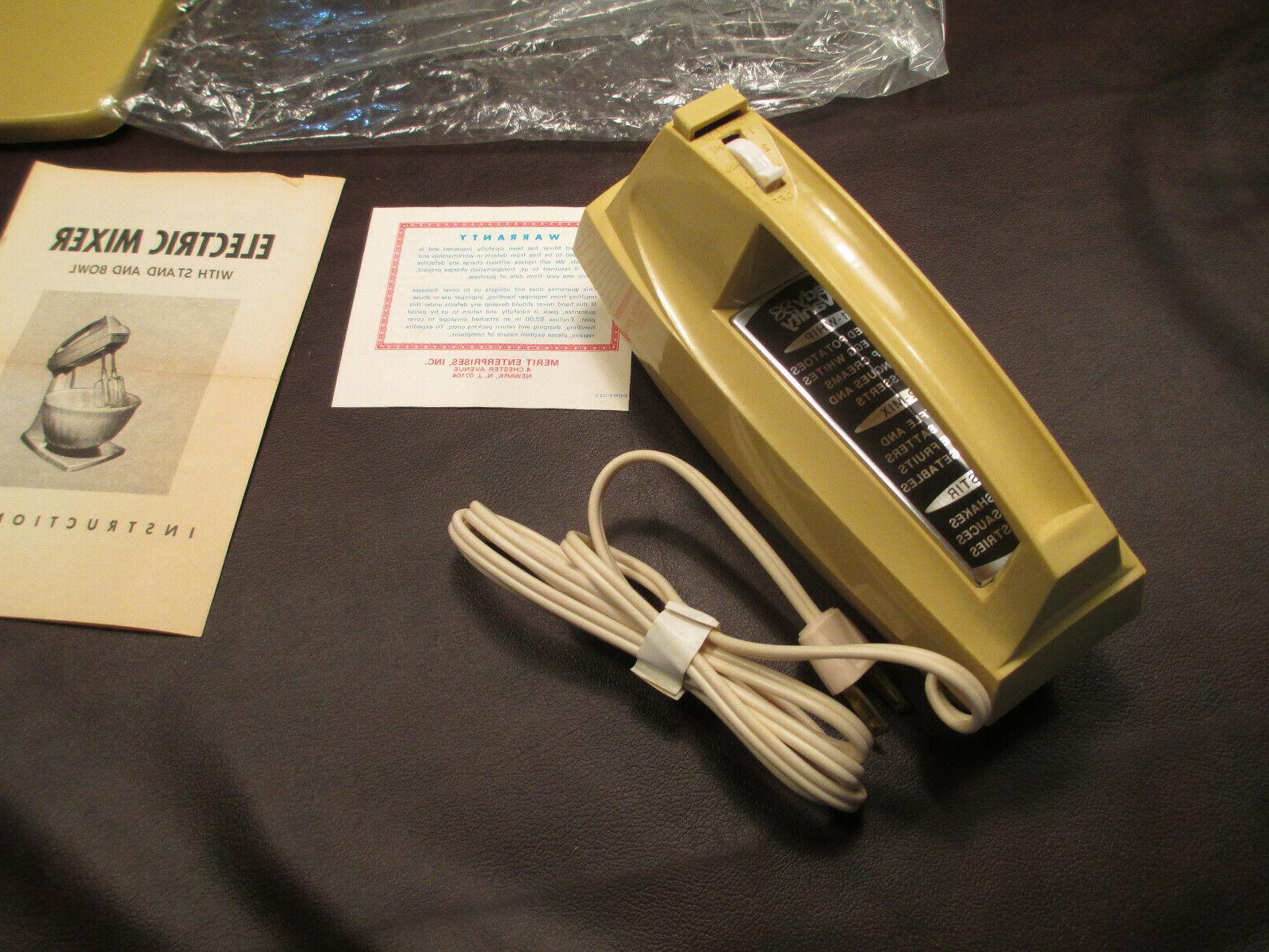 VINTAGE LADY ELECTRIC HELD MIXER AND